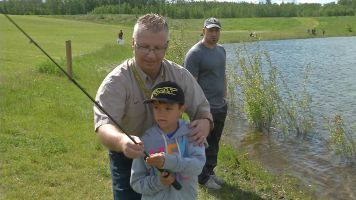 Kids Can Catch 2017 - Fort Lion's Community Fish Pond - Let's Go Outdoors Canada